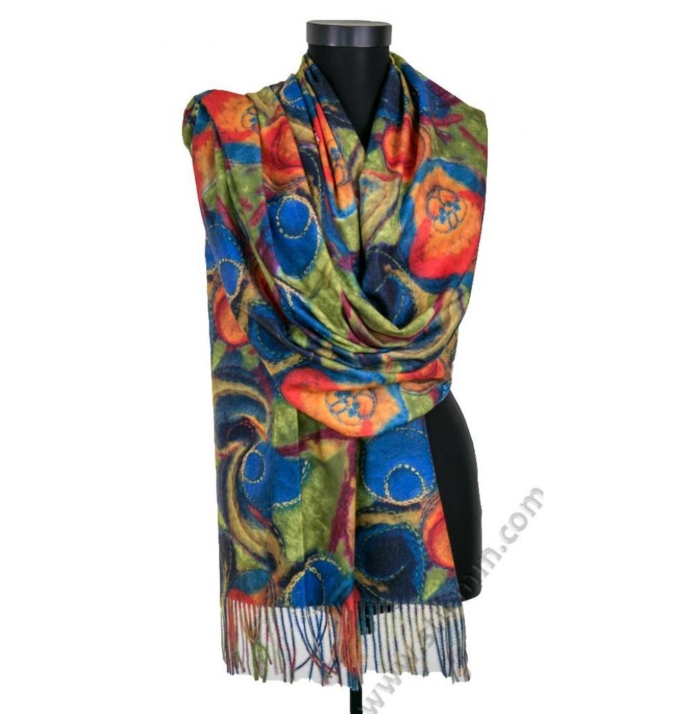 Дамски шал от фина вълна
