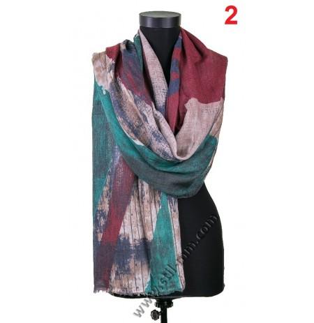 Стилен дамски шал в бордо, зелено и капучино