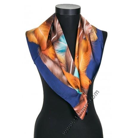 Дамски шал в тъмносиньо с пера