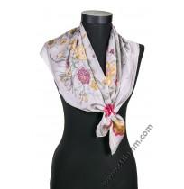 6285 Дамски шал в свелосиво с цветя в светлосиво