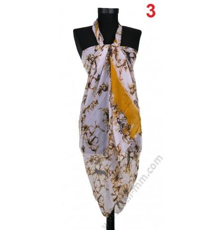 Плажен памучен шал в бяло с жълти брокатени цветя